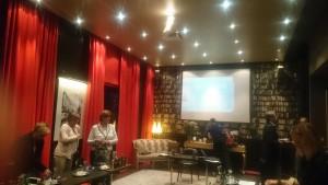 """Gemütlich war es schon mal: FALKE präsentiert die Leg Aesthetics Serie im Hotel """"The George"""" in Hamburg. HOSIERIA war vor Ort."""