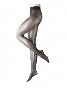 Top im Trend mit der Falke Seidenglatt! Diese sommerlich transparente 15den-Strumpfhose ist das Trend-Accessoire für Ihren Lieblingslook. In vielen aktuellen Farben erhältlich, schmiegt sie sich angenehm leicht und mit einem zarten Seidenglanz an Ihre Beine.